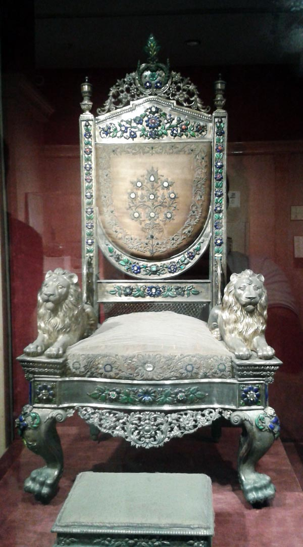 royal chair display at National Museum Delhi