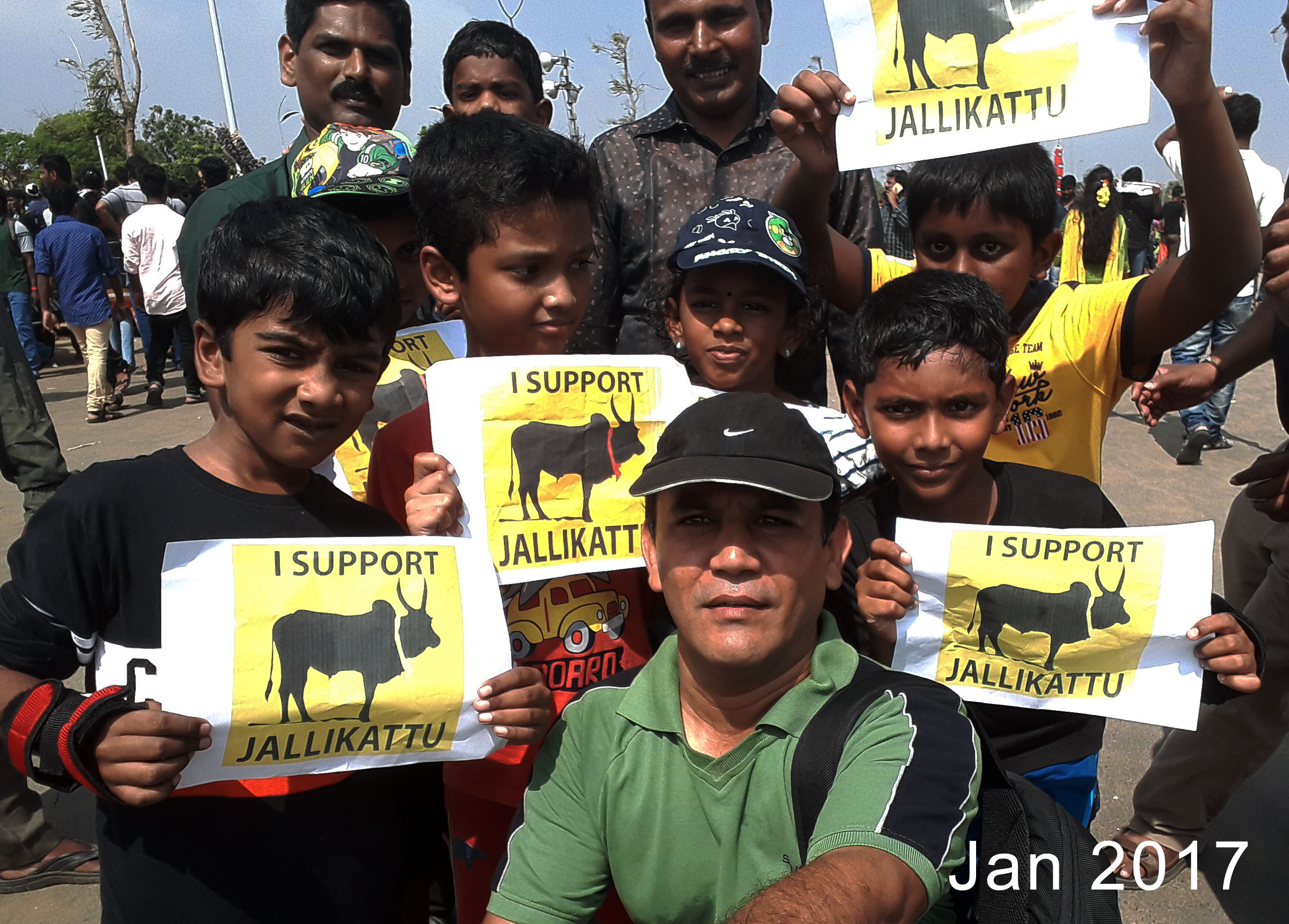 Family protesting in support of Jallikattu